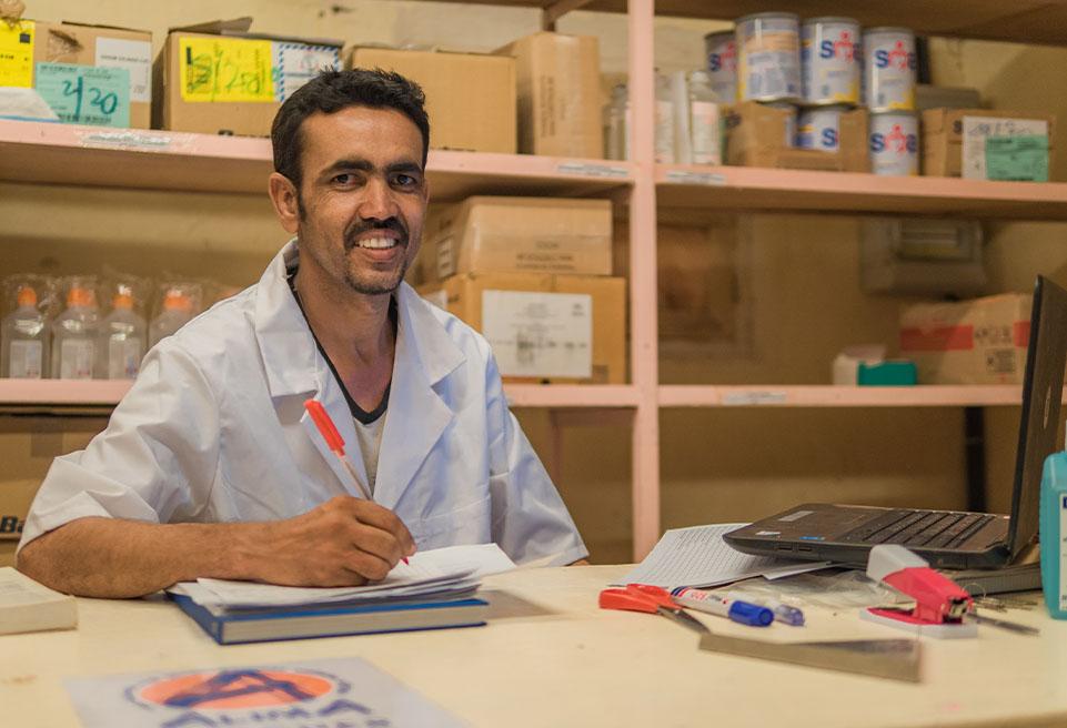 """Abdoulaye Mahmoud, magasinier : """"J'ai envie de me former pour être prêt à répondre à de nouveaux besoins""""."""
